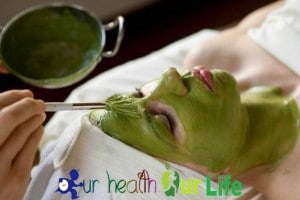 Homemade Green Tea Face Mask for Glowing Skin & Acne