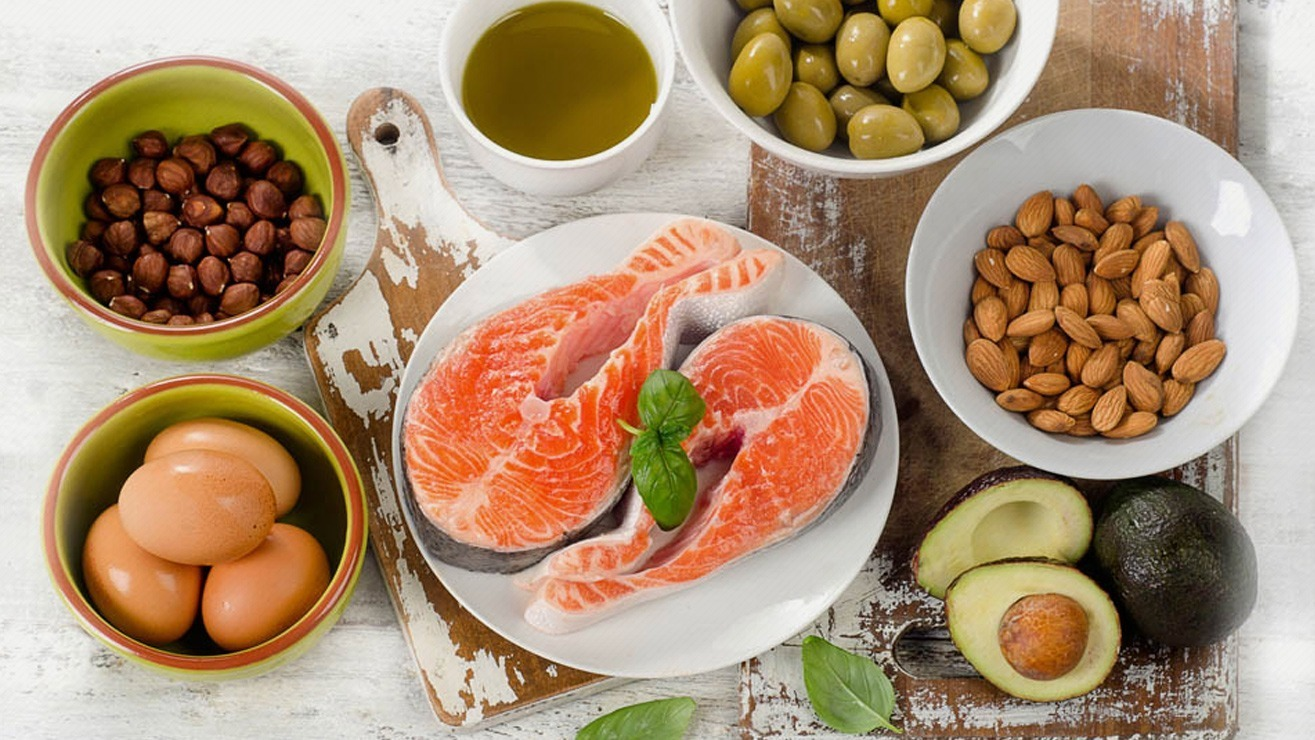 Weight loss by eating fats