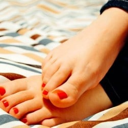 How to keep feet healthy