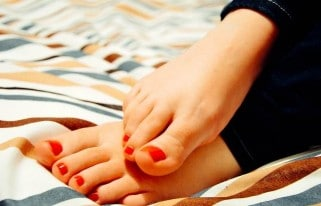 How to keep feet healthy