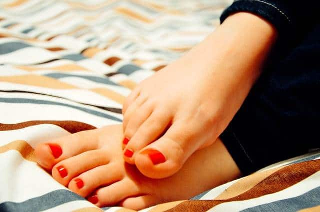 How to Keep Feet Healthy and Soft - Top 10 Proven Way